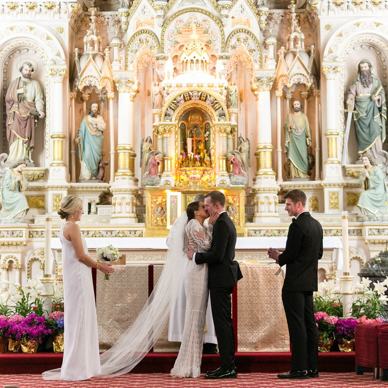 Wedding Pictures At The Altar: Tres Cosas Que Debes Considerar Cuando Planeas Tu Decor De